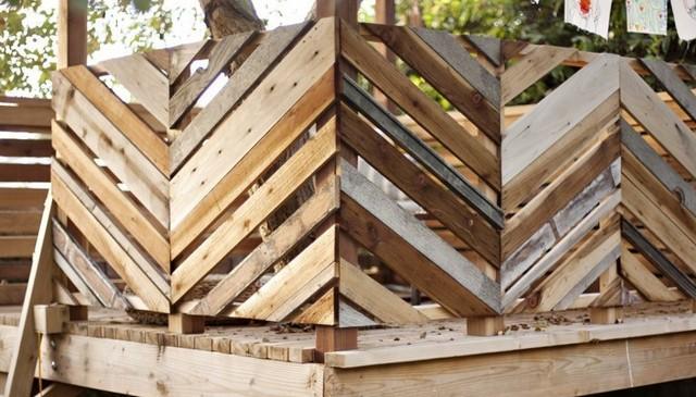 alternating-diagonal-rustic-board-railing