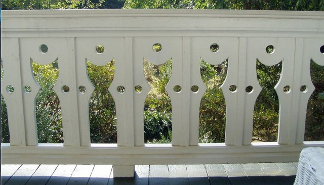 cat-baluster-deck-railing