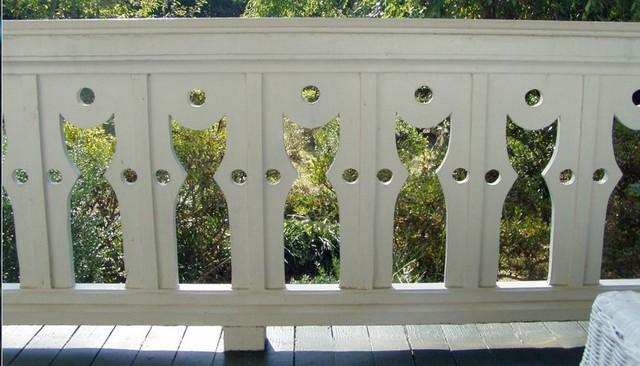 cat-baluster-deck-railing