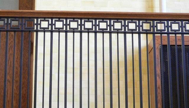 craftsman-courthouse-railing-idea
