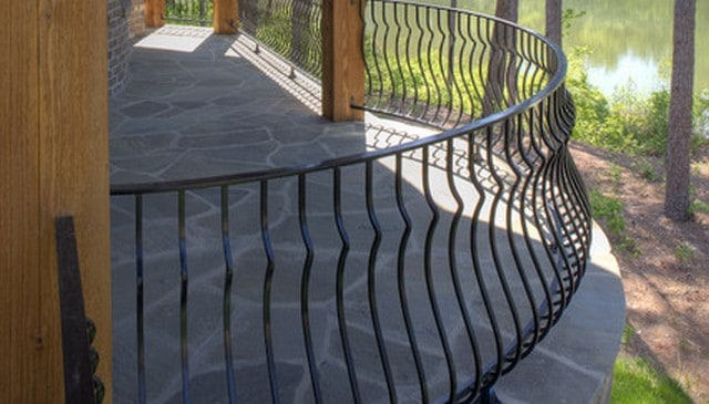 curved-metal-railing