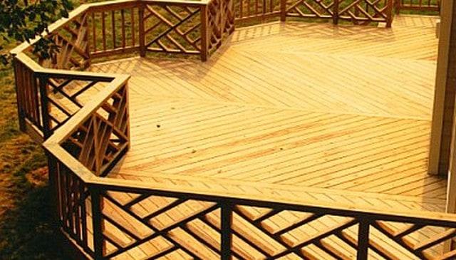 Diagonal and Vertical Handrail Design