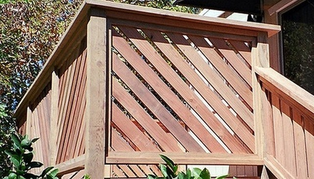 framed-alternating-diagonal-wood-railing