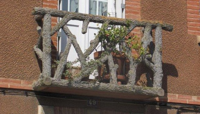 french-rustic-log-balcony-railing