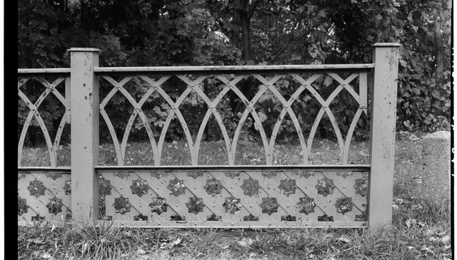 gothic-style-metal-railing-design