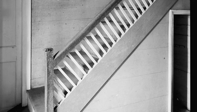 historic-nc-angle-baluster-railing-idea