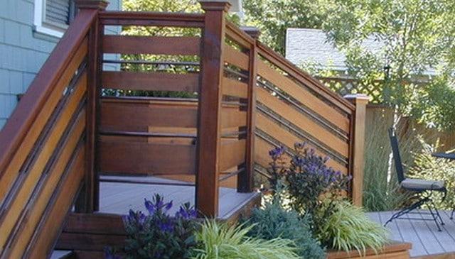 horizontal-board-pipe-railing