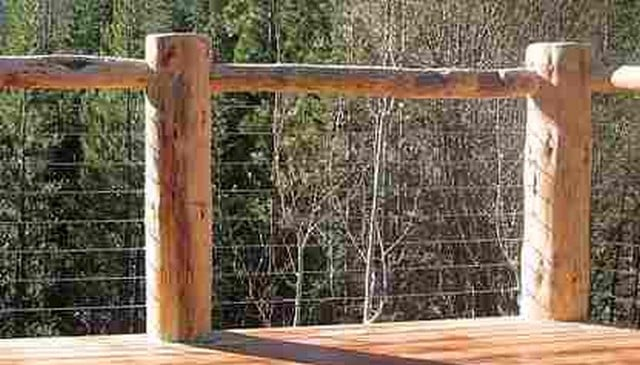 log-railing-w-chicken-wire