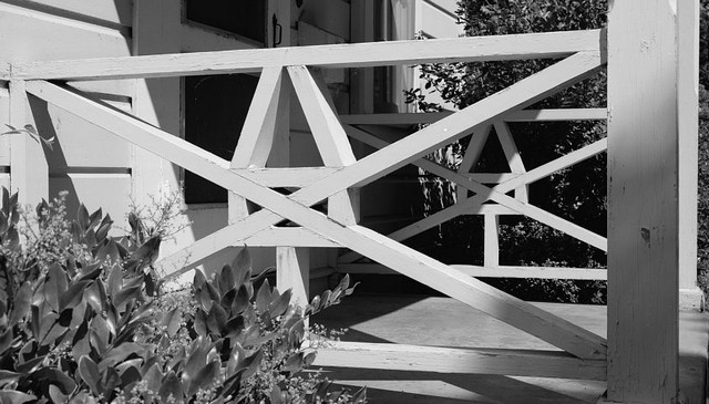 mare-island-naval-shipyard-geometric-railing-idea