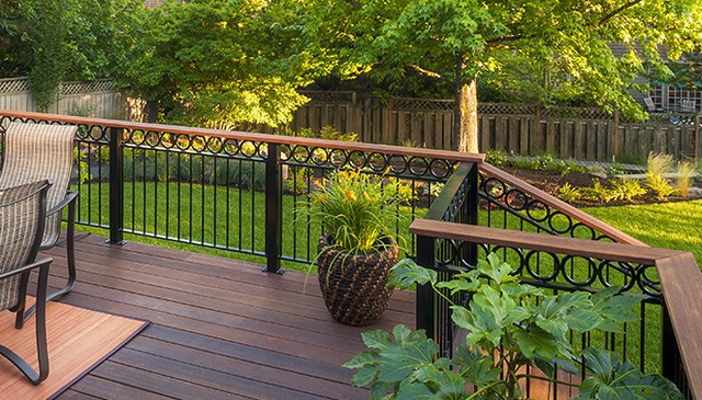 metal-circles-over-balusters