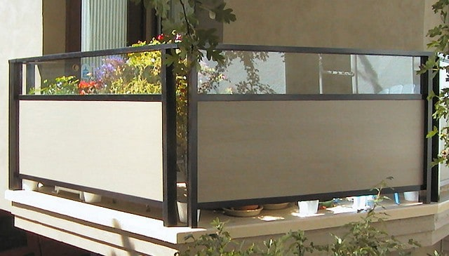 metal-frame-railing-w-glass-above-hardie-panel