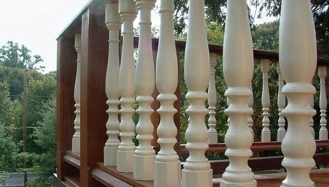 octagon-base-colonial-turned-balusters