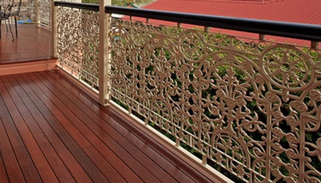 ornamental-intricate-wrought-iron-handrail