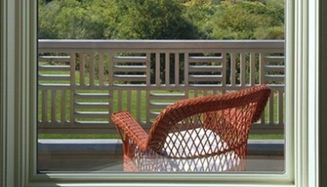 parquet-style-wood-railing