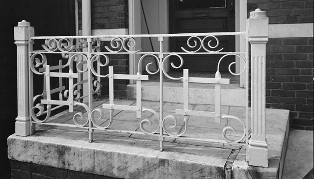 savannah-ga-historic-porch-railing