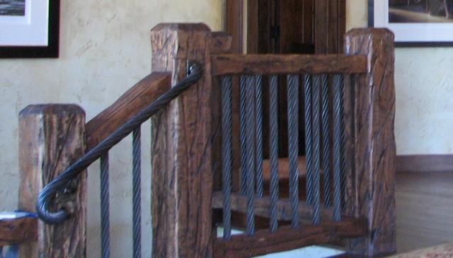 sideways-arrow-wood-railing