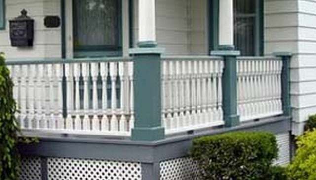 turned-baluster-railing-victorian-home