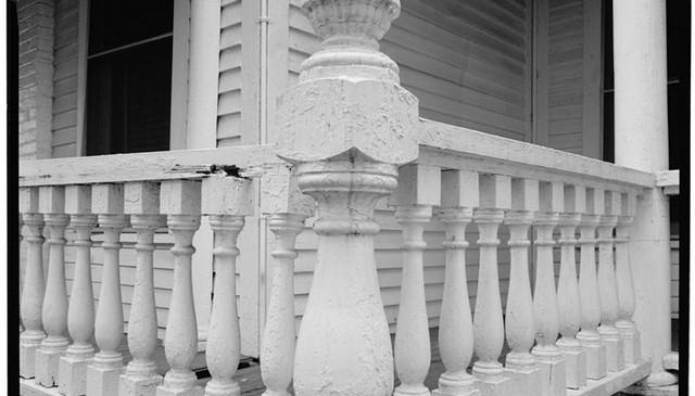 turned-balusters-post-handrail-idea