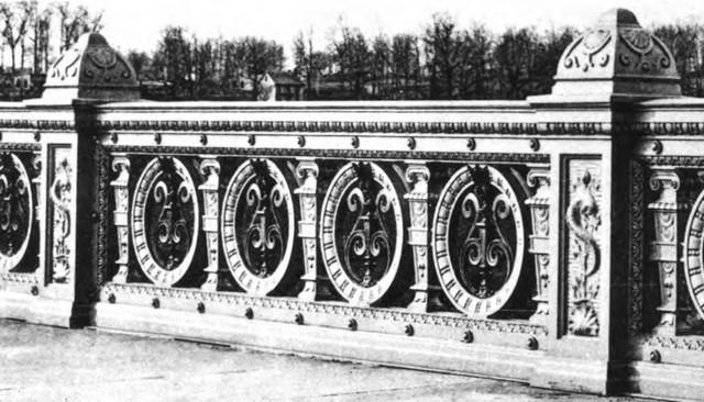washington-bridge-ornate-stone-railing