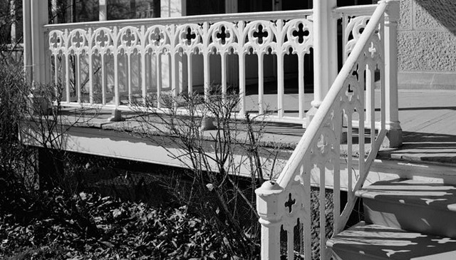 washington-dc-soldiers-home-porch-railing