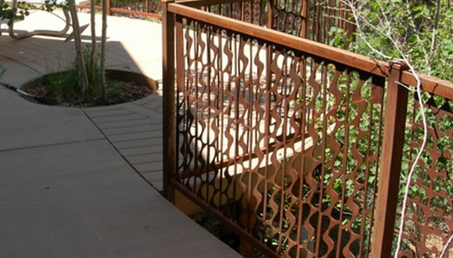 waterfall-baluster-metal-railing