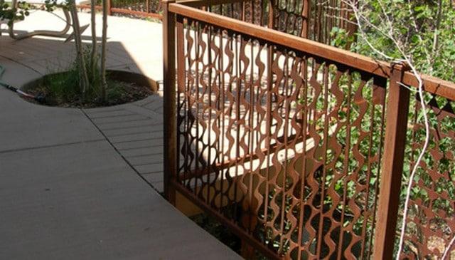 waterfall-baluster-metal-railing