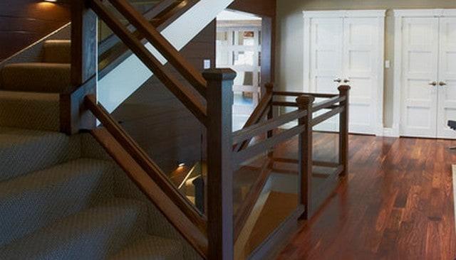 wood-frame-glass-railing-design