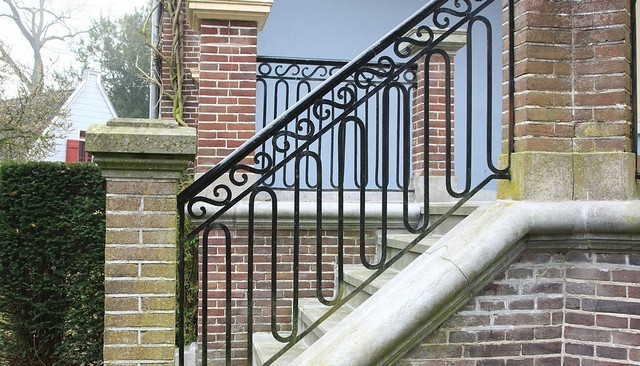 wrought-iron-railing-design-idea