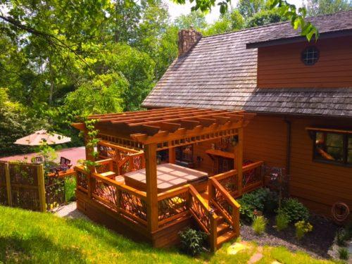 Rustic pergola in Tennessee
