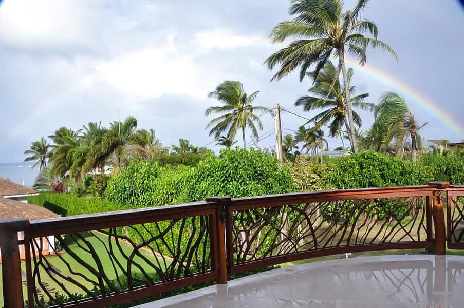 43-hawaii-rainbow-handrails