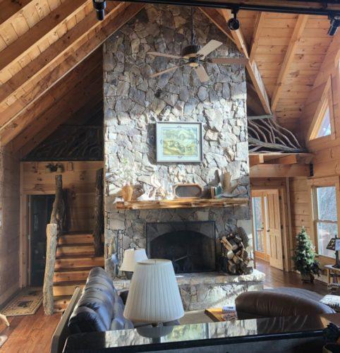 Gorgeous Rustic Greatroom